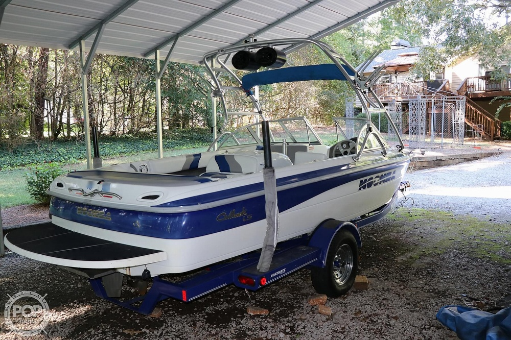2001 Moomba boat for sale, model of the boat is Outback LS & Image # 9 of 40