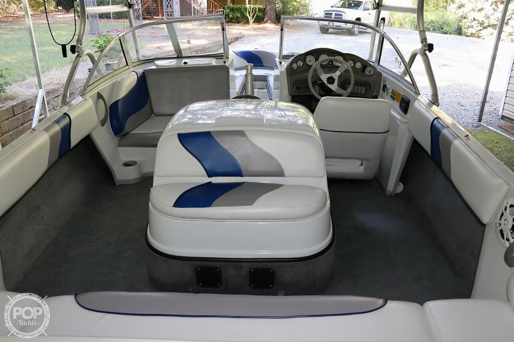 2001 Moomba boat for sale, model of the boat is Outback LS & Image # 15 of 40