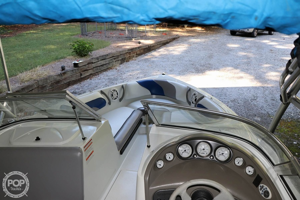 2001 Moomba boat for sale, model of the boat is Outback LS & Image # 27 of 40