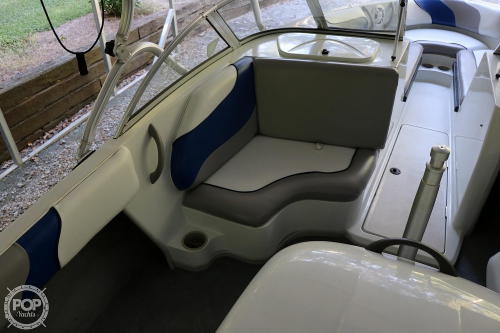 2001 Moomba boat for sale, model of the boat is Outback LS & Image # 21 of 40