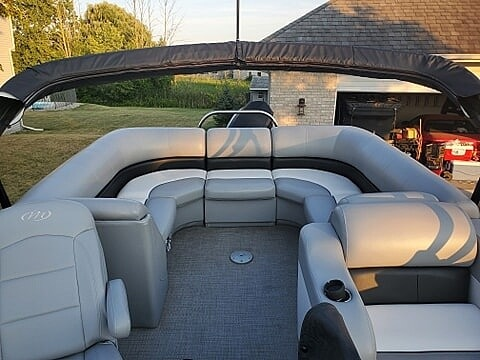 2018 Manitou boat for sale, model of the boat is Oasis SHP & Image # 5 of 25