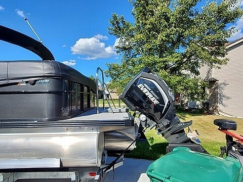 2018 Manitou boat for sale, model of the boat is Oasis SHP & Image # 9 of 25
