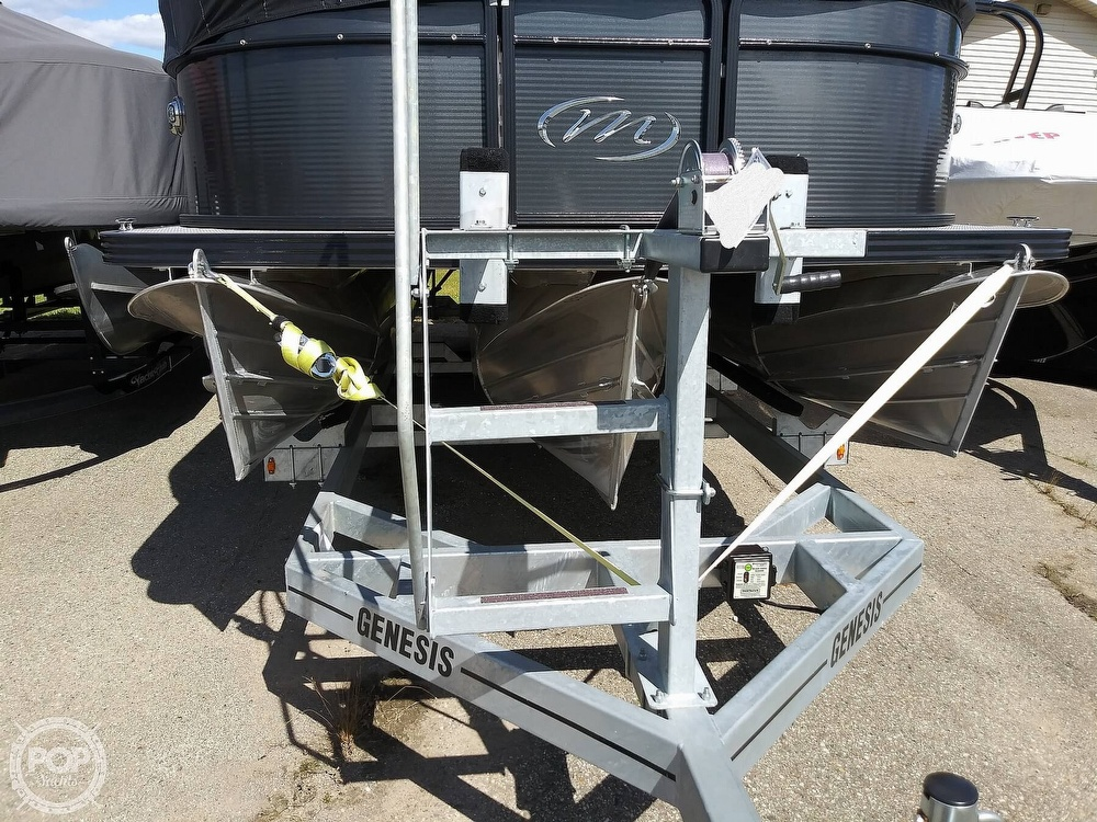 2018 Manitou boat for sale, model of the boat is Oasis SHP & Image # 20 of 25