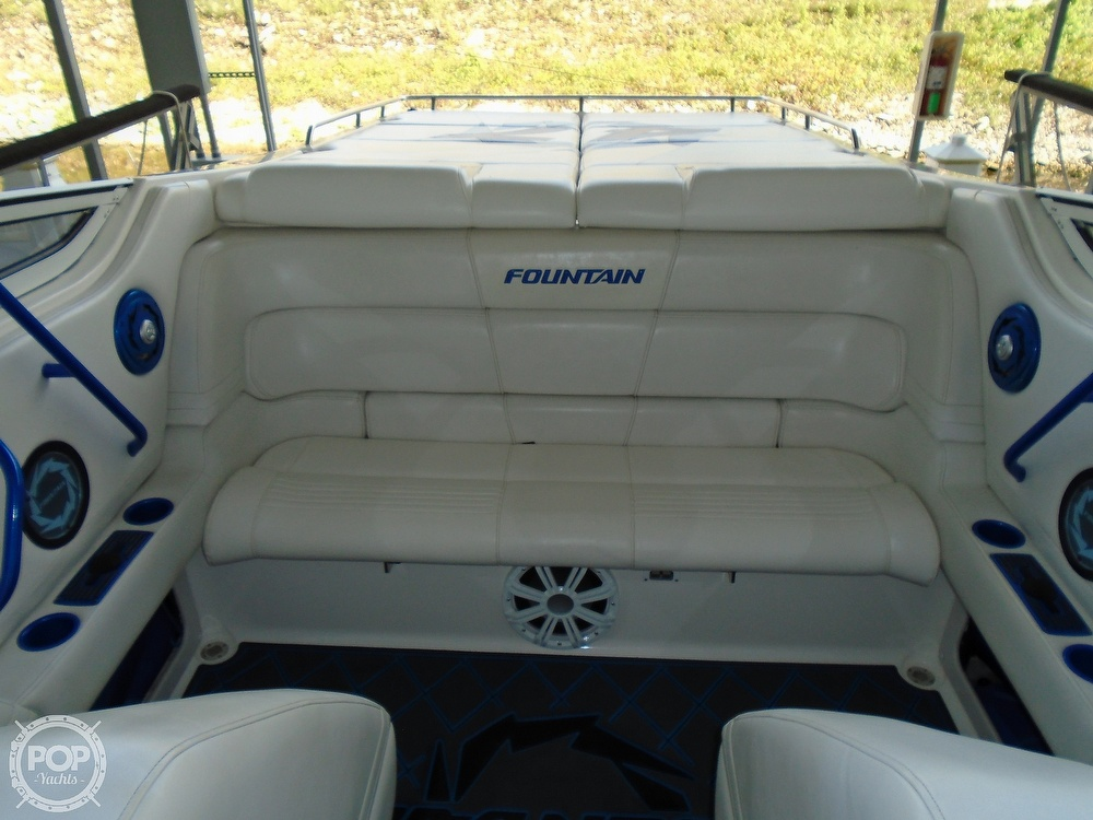 2006 Fountain boat for sale, model of the boat is 47 & Image # 31 of 41