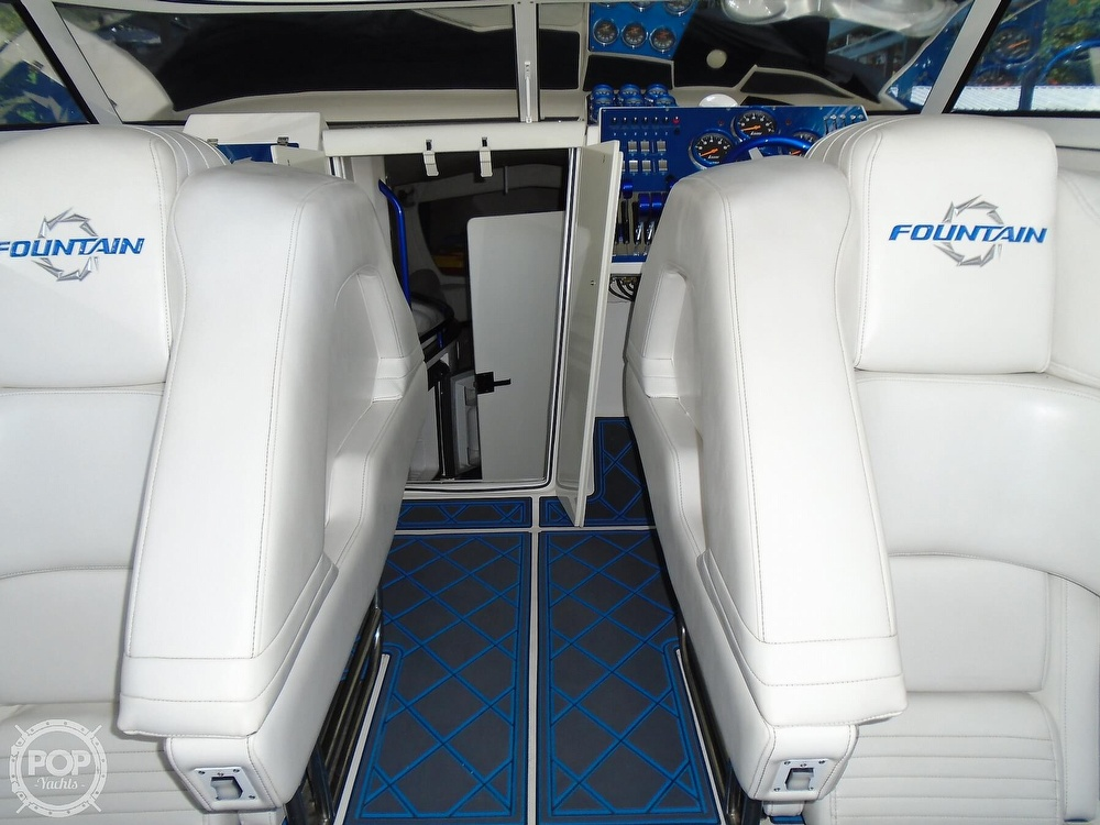 2006 Fountain boat for sale, model of the boat is 47 & Image # 14 of 41