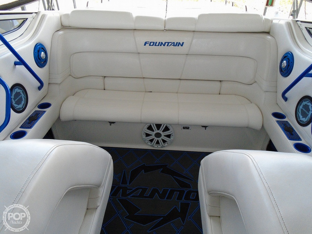 2006 Fountain boat for sale, model of the boat is 47 & Image # 35 of 41