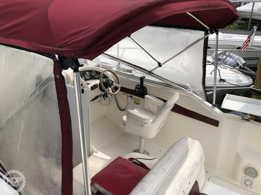 1998 Glastron boat for sale, model of the boat is GS249 & Image # 9 of 40