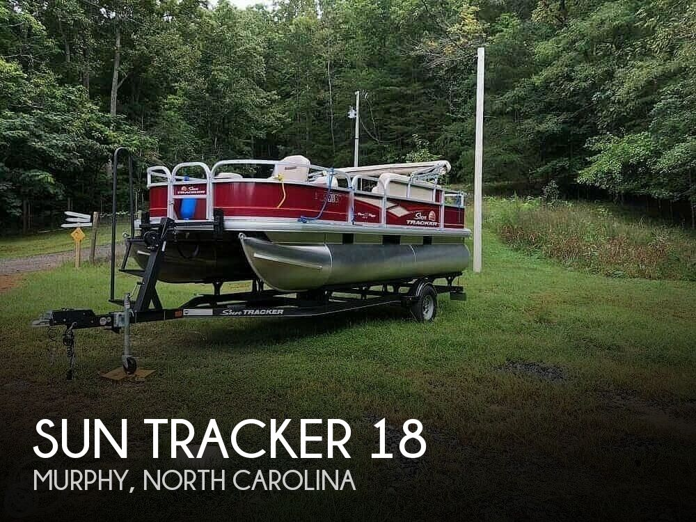 2018 Sun Tracker boat for sale, model of the boat is BASS BUGGY 18 DLX & Image # 1 of 12