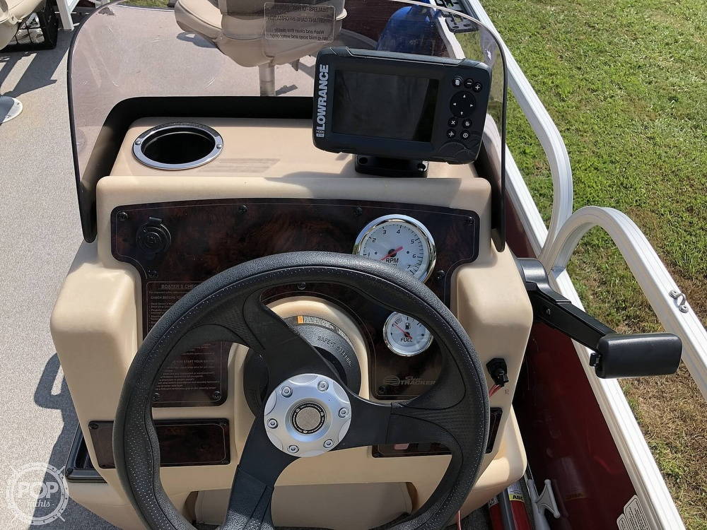 2018 Sun Tracker boat for sale, model of the boat is BASS BUGGY 18 DLX & Image # 6 of 12