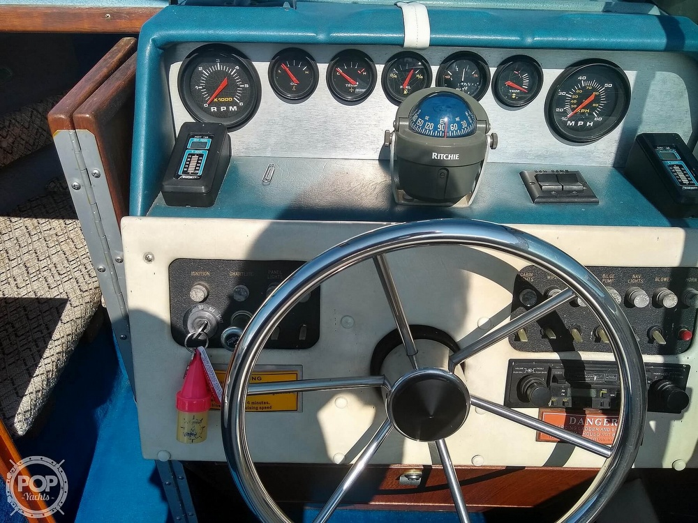 1984 Sea Ray boat for sale, model of the boat is 210 CC & Image # 24 of 40