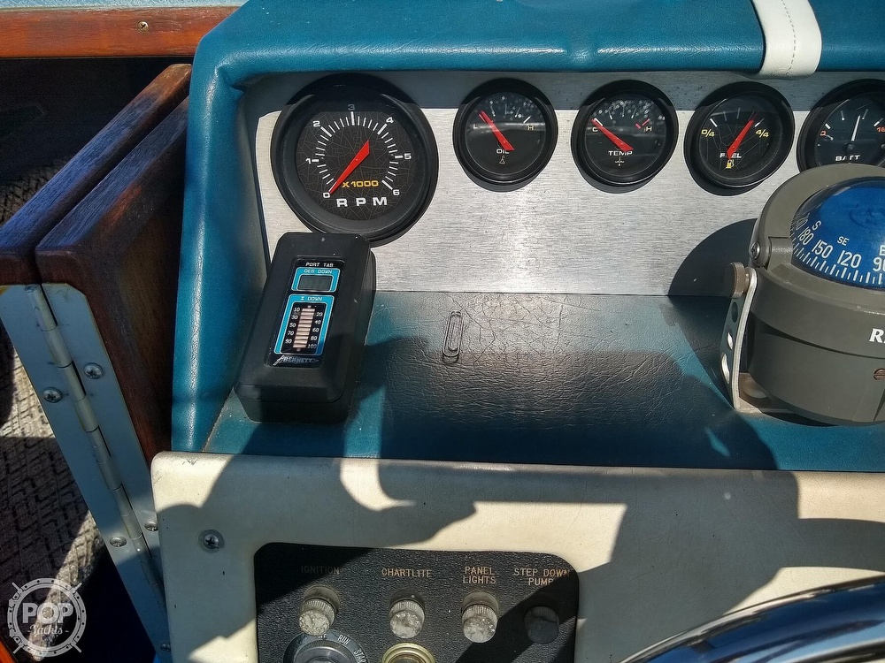 1984 Sea Ray boat for sale, model of the boat is 210 CC & Image # 29 of 40