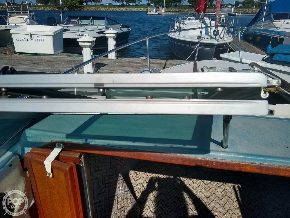 1984 Sea Ray boat for sale, model of the boat is 210 CC & Image # 23 of 40