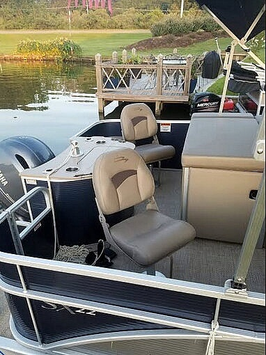 2020 Bennington boat for sale, model of the boat is 22 SX & Image # 14 of 41