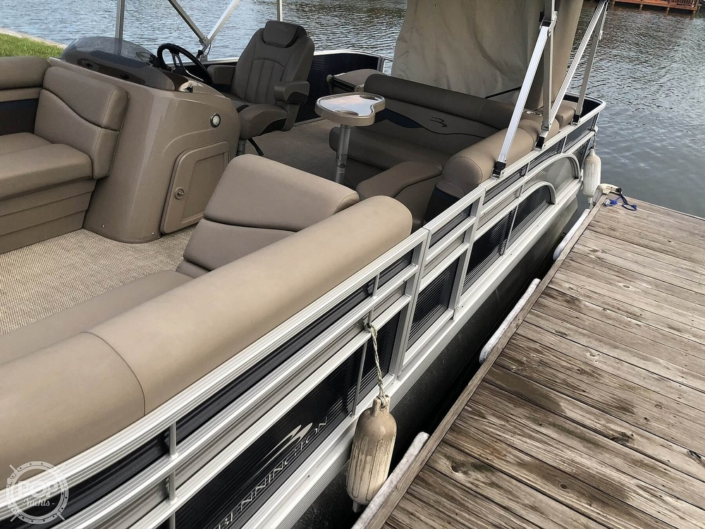 2020 Bennington boat for sale, model of the boat is 22 SX & Image # 17 of 41