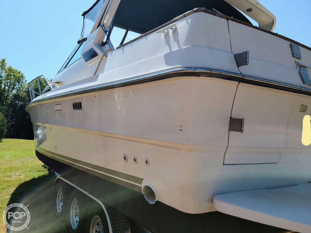 1986 Sea Ray boat for sale, model of the boat is 340 Sundancer & Image # 19 of 40