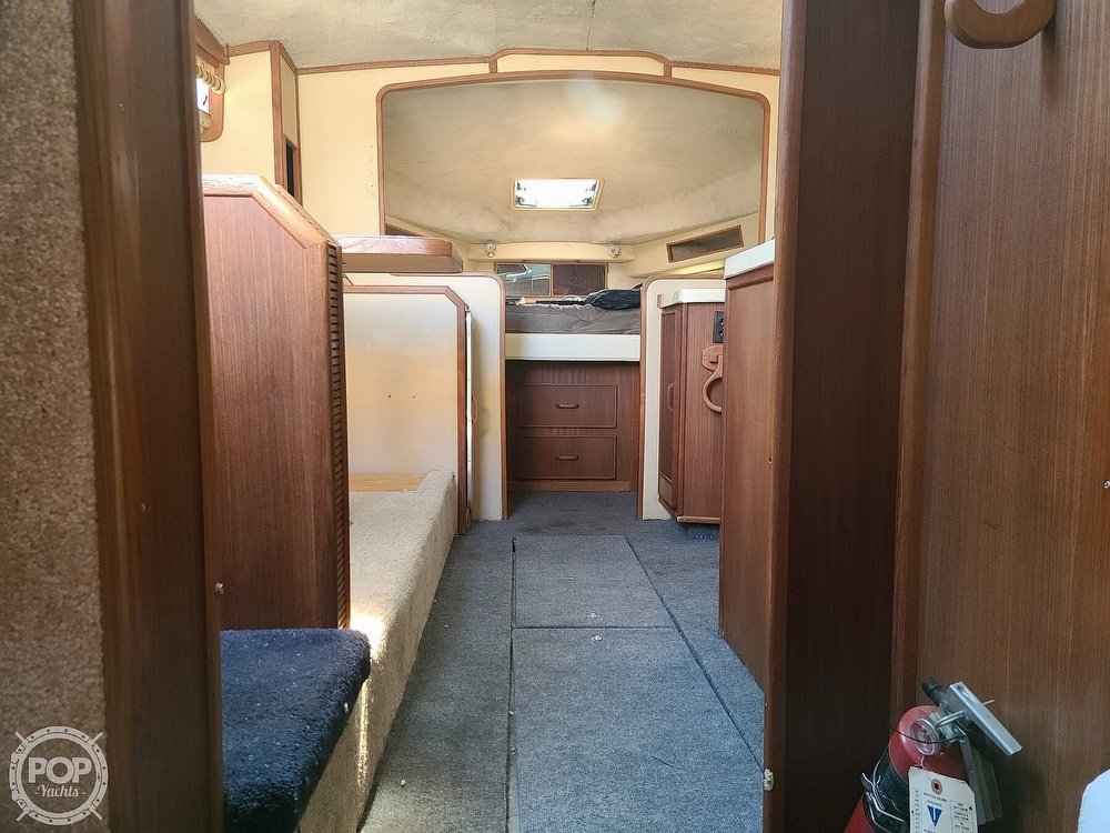 1986 Sea Ray boat for sale, model of the boat is 340 Sundancer & Image # 10 of 40