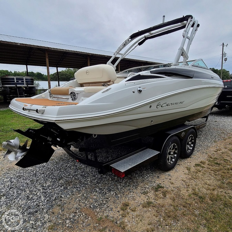 2018 Crownline boat for sale, model of the boat is 275 SS & Image # 34 of 40