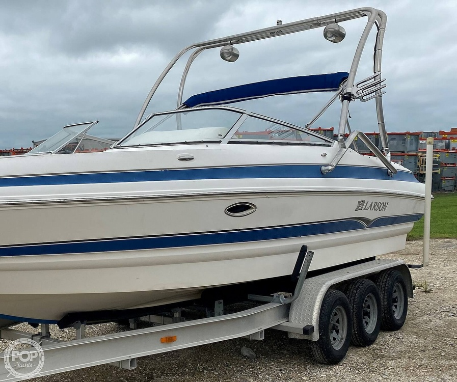 2007 Larson boat for sale, model of the boat is LXI 268 & Image # 2 of 40