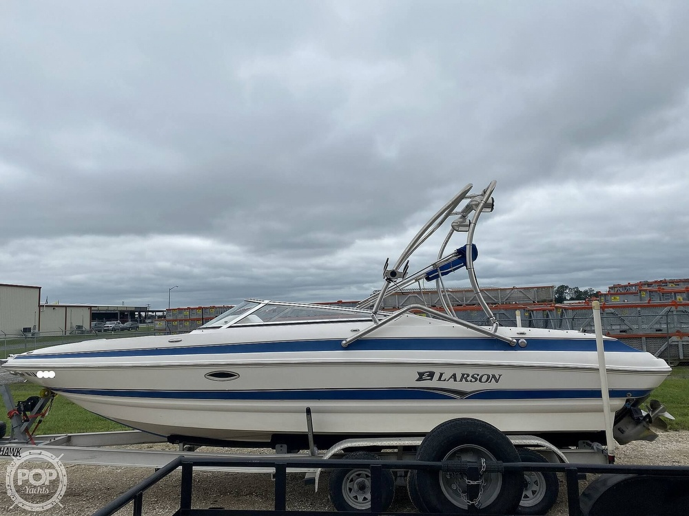 2007 Larson boat for sale, model of the boat is LXI 268 & Image # 5 of 40