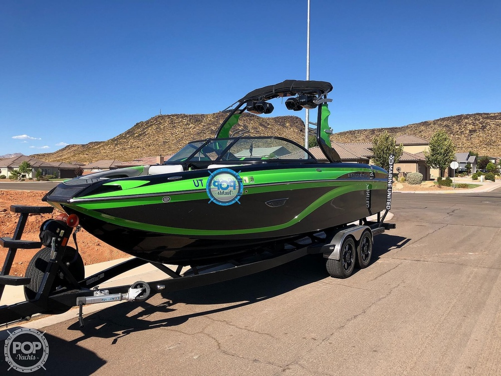 2016 Centurion boat for sale, model of the boat is Ri237 & Image # 3 of 11