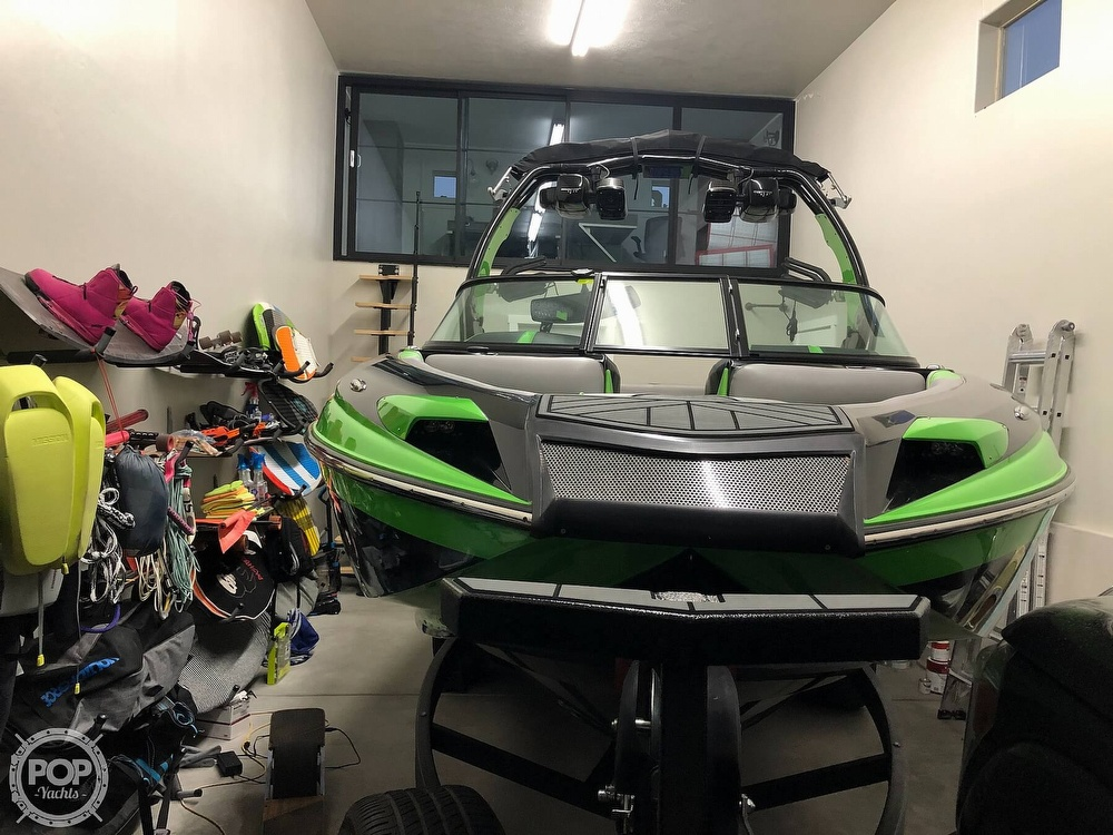 2016 Centurion boat for sale, model of the boat is Ri237 & Image # 5 of 11