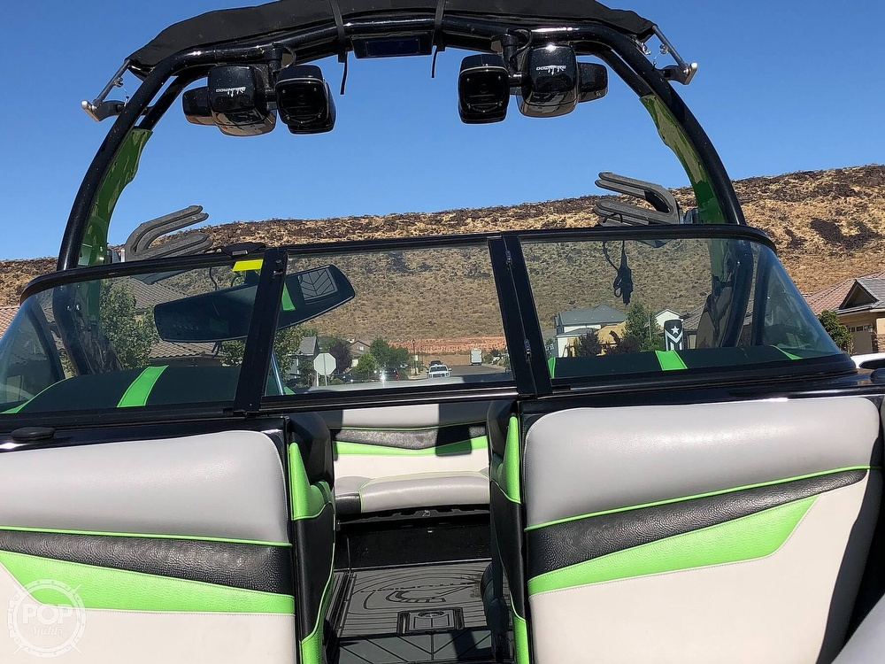 2016 Centurion boat for sale, model of the boat is Ri237 & Image # 6 of 11