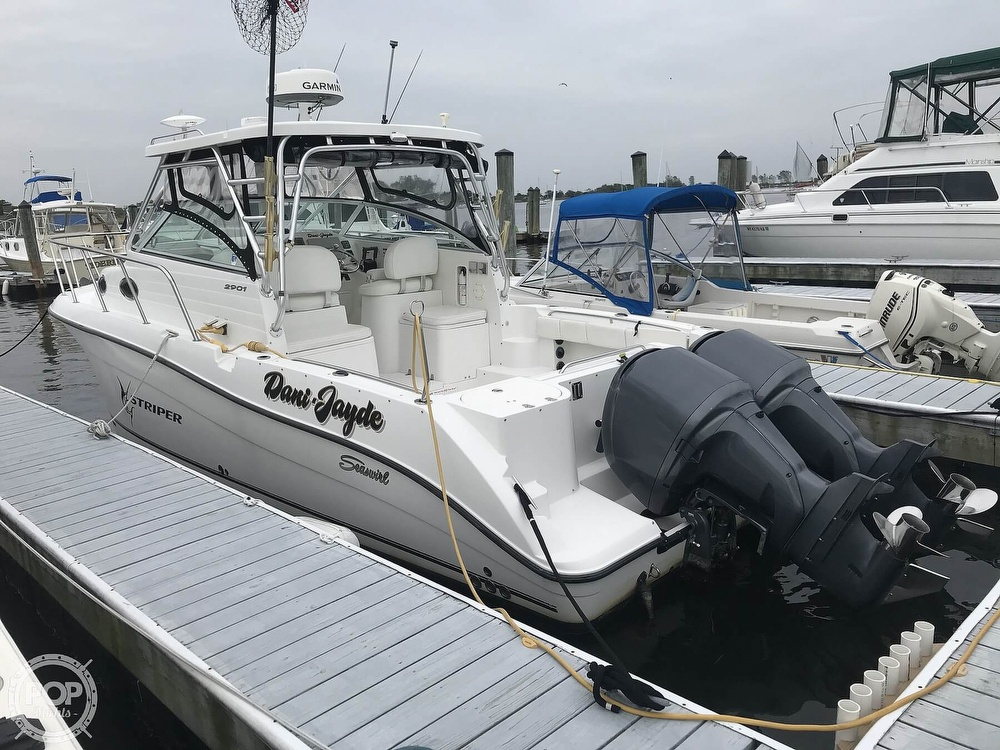 2004 Seaswirl boat for sale, model of the boat is 2901 Striper & Image # 2 of 40