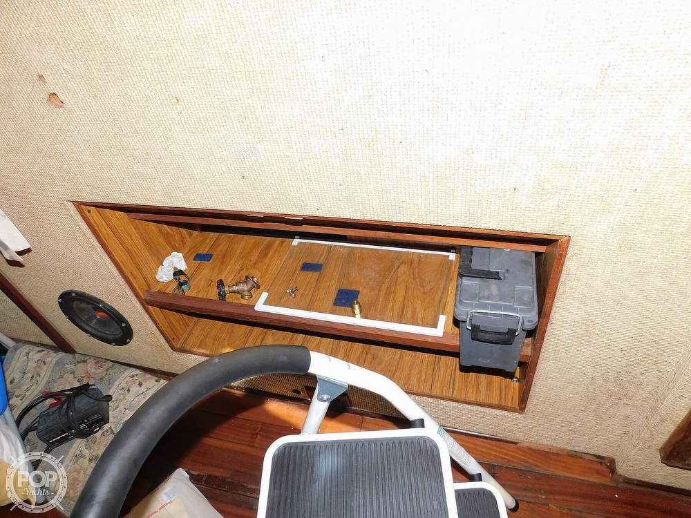 1980 Viking boat for sale, model of the boat is 35 Convertible & Image # 20 of 41