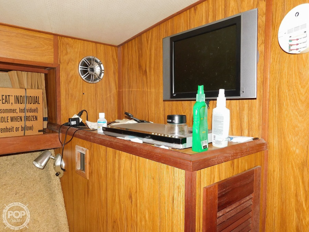 1980 Viking boat for sale, model of the boat is 35 Convertible & Image # 12 of 41