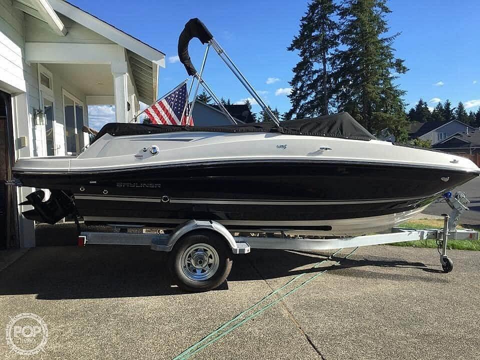 2018 Bayliner boat for sale, model of the boat is vr5 & Image # 12 of 40