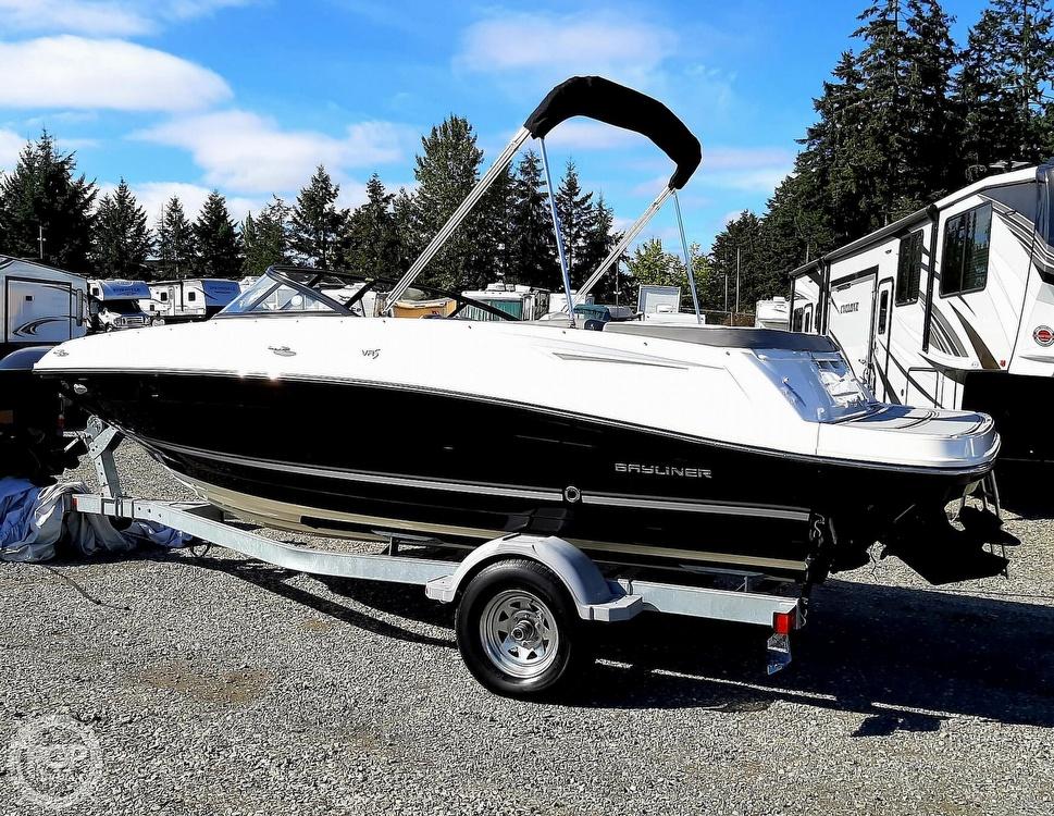 2018 Bayliner boat for sale, model of the boat is vr5 & Image # 7 of 40