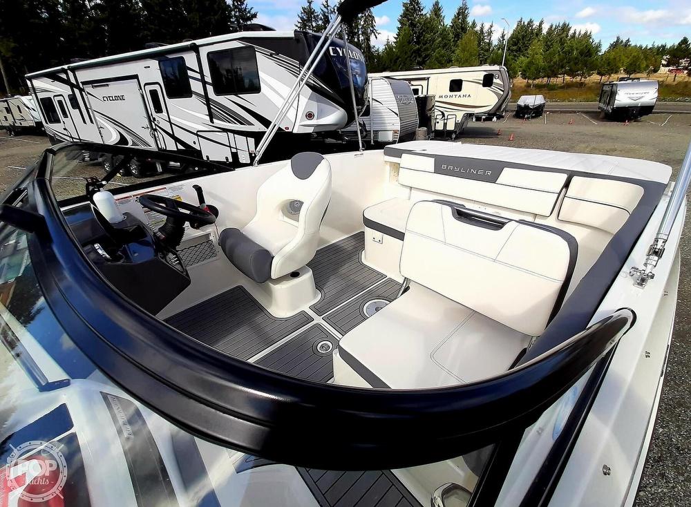 2018 Bayliner boat for sale, model of the boat is vr5 & Image # 16 of 40