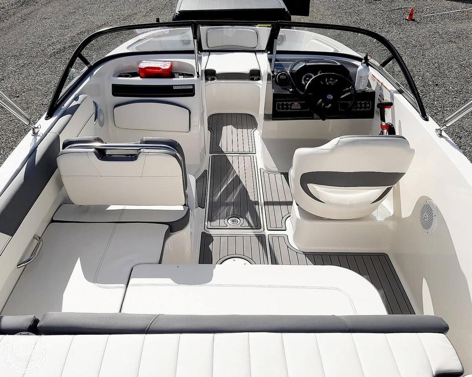 2018 Bayliner boat for sale, model of the boat is vr5 & Image # 2 of 40