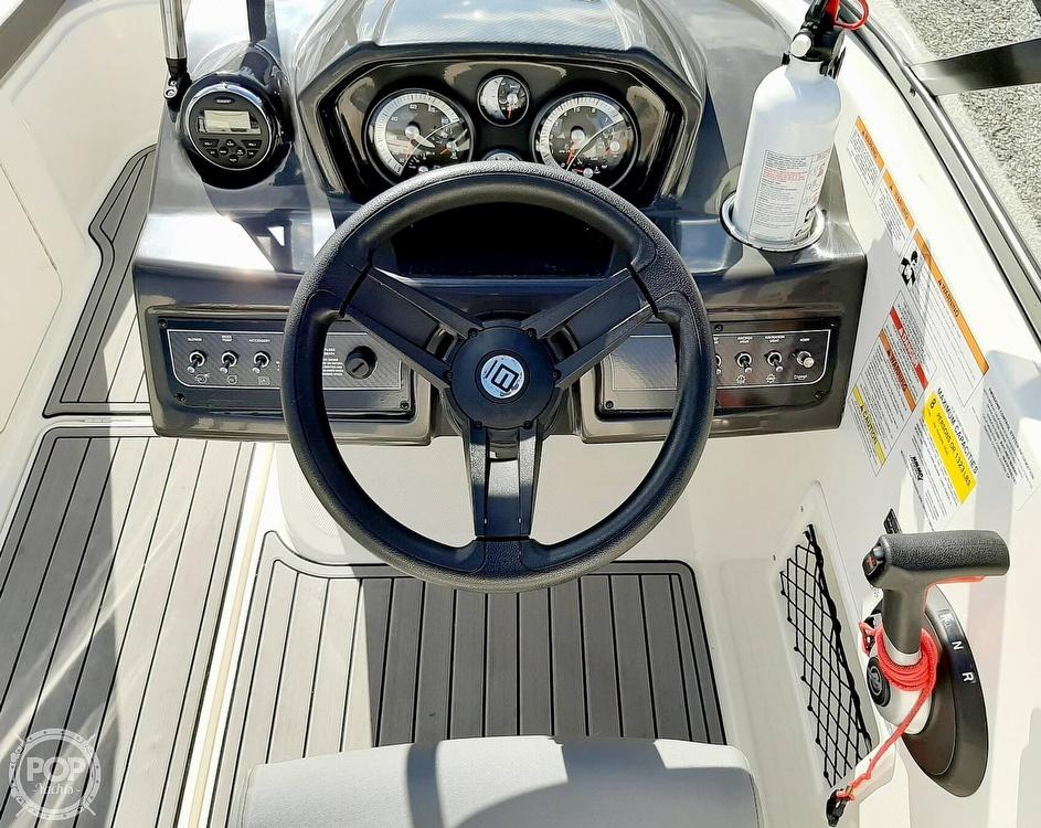 2018 Bayliner boat for sale, model of the boat is vr5 & Image # 11 of 40