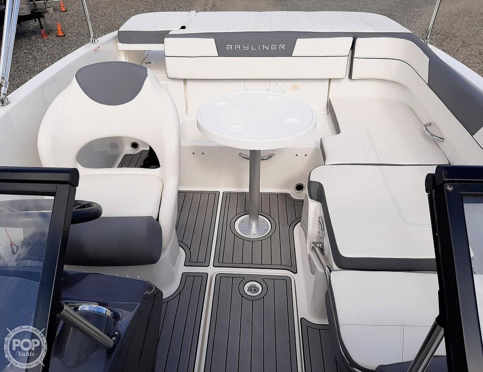 2018 Bayliner boat for sale, model of the boat is vr5 & Image # 4 of 40
