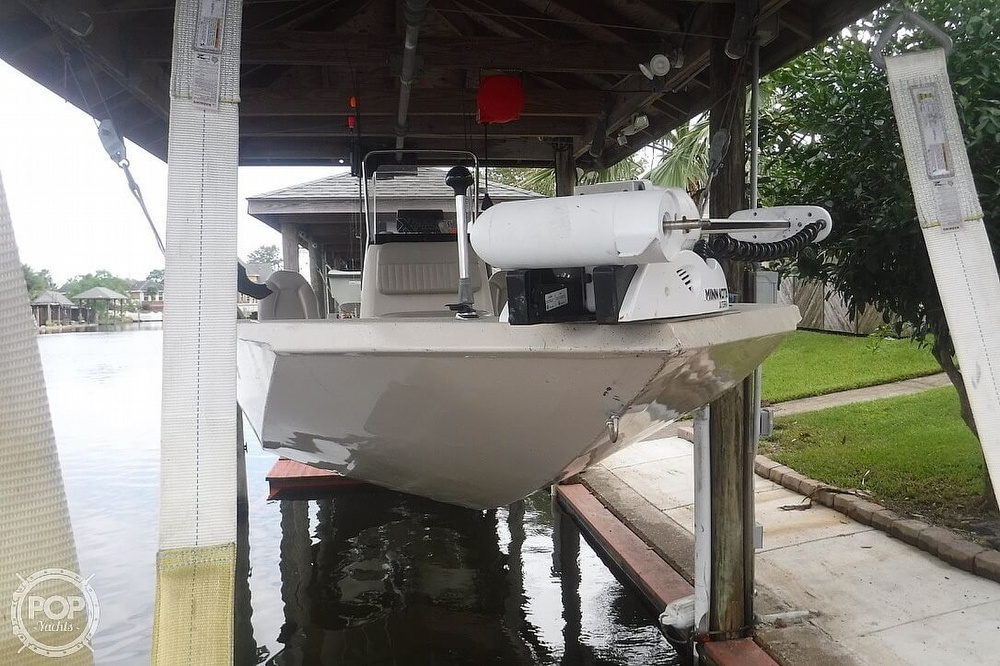 2011 Xpress boat for sale, model of the boat is H20CC Hyperlift & Image # 3 of 41
