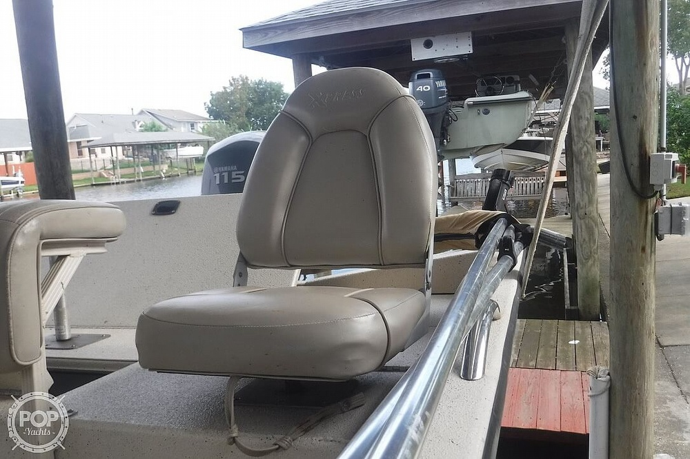 2011 Xpress boat for sale, model of the boat is H20CC Hyperlift & Image # 5 of 41