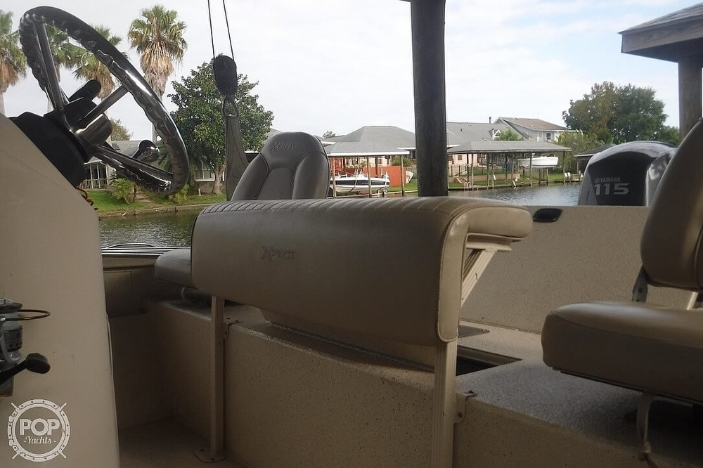 2011 Xpress boat for sale, model of the boat is H20CC Hyperlift & Image # 6 of 41