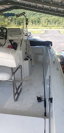 2010 Sea Hunt boat for sale, model of the boat is Bx19 & Image # 3 of 7