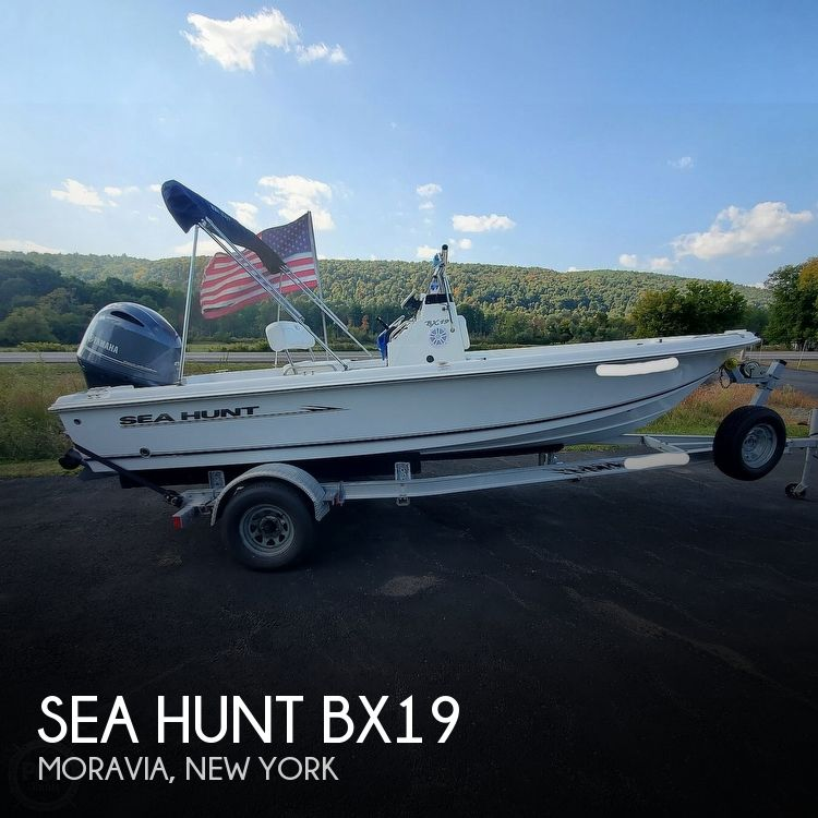 2010 Sea Hunt boat for sale, model of the boat is Bx19 & Image # 1 of 41