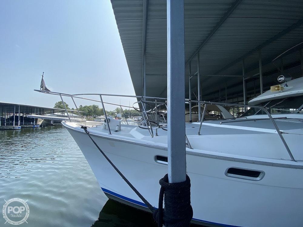 1989 Bayliner boat for sale, model of the boat is 3888 Motoryacht & Image # 3 of 40