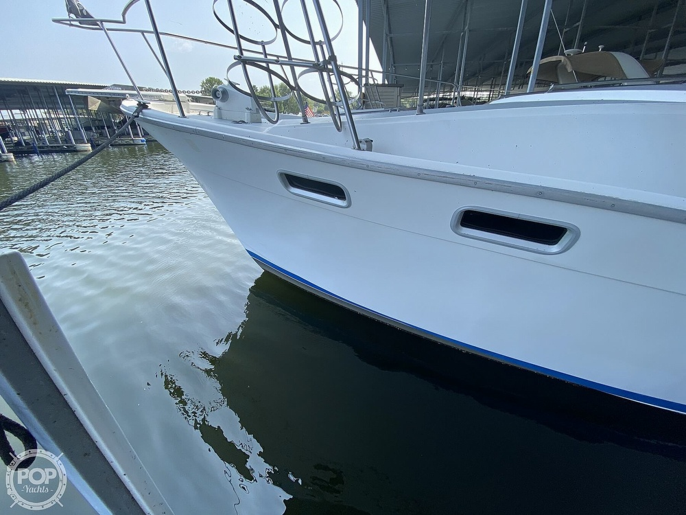 1989 Bayliner boat for sale, model of the boat is 3888 Motoryacht & Image # 4 of 40