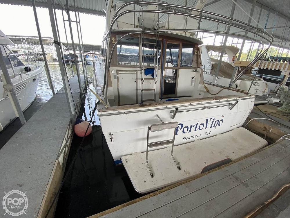 1989 Bayliner boat for sale, model of the boat is 3888 Motoryacht & Image # 13 of 40