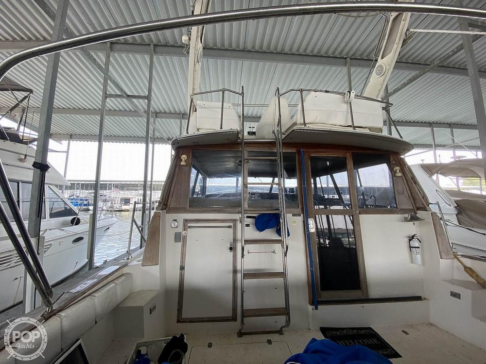 1989 Bayliner boat for sale, model of the boat is 3888 Motoryacht & Image # 14 of 40