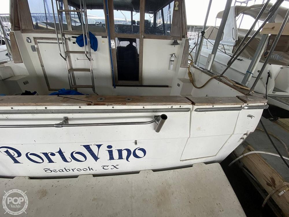 1989 Bayliner boat for sale, model of the boat is 3888 Motoryacht & Image # 15 of 40