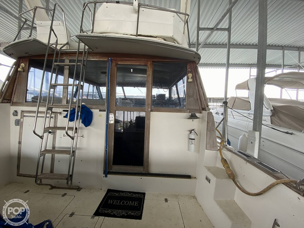 1989 Bayliner boat for sale, model of the boat is 3888 Motoryacht & Image # 16 of 40