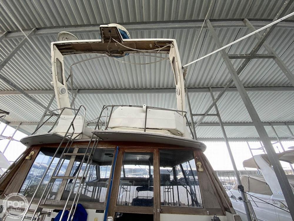 1989 Bayliner boat for sale, model of the boat is 3888 Motoryacht & Image # 18 of 40