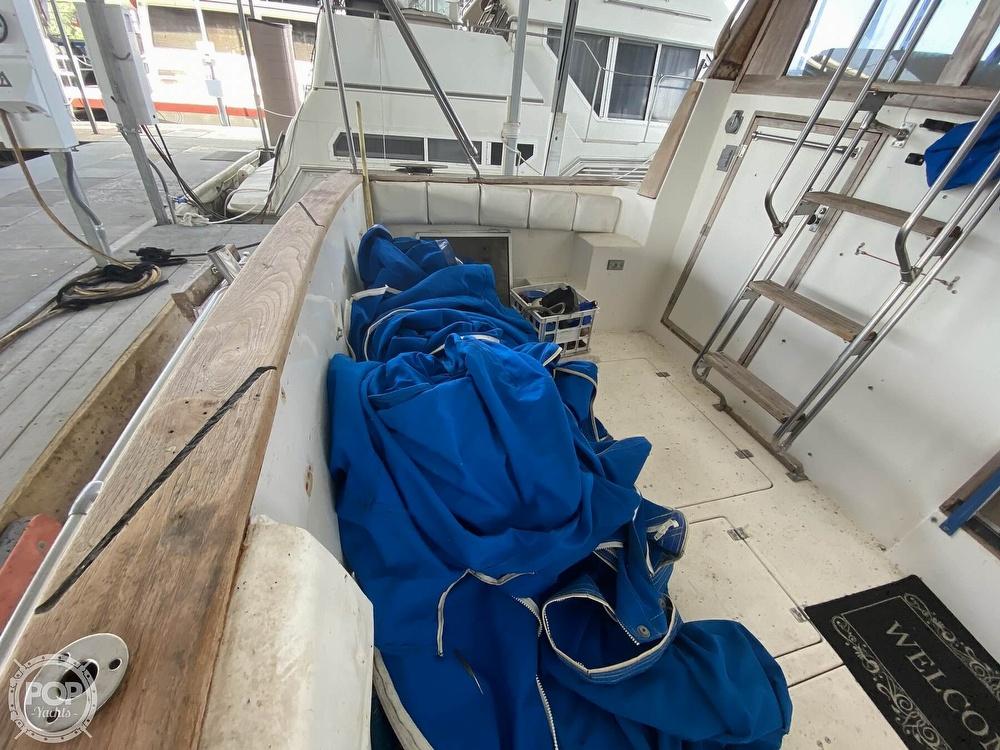 1989 Bayliner boat for sale, model of the boat is 3888 Motoryacht & Image # 20 of 40