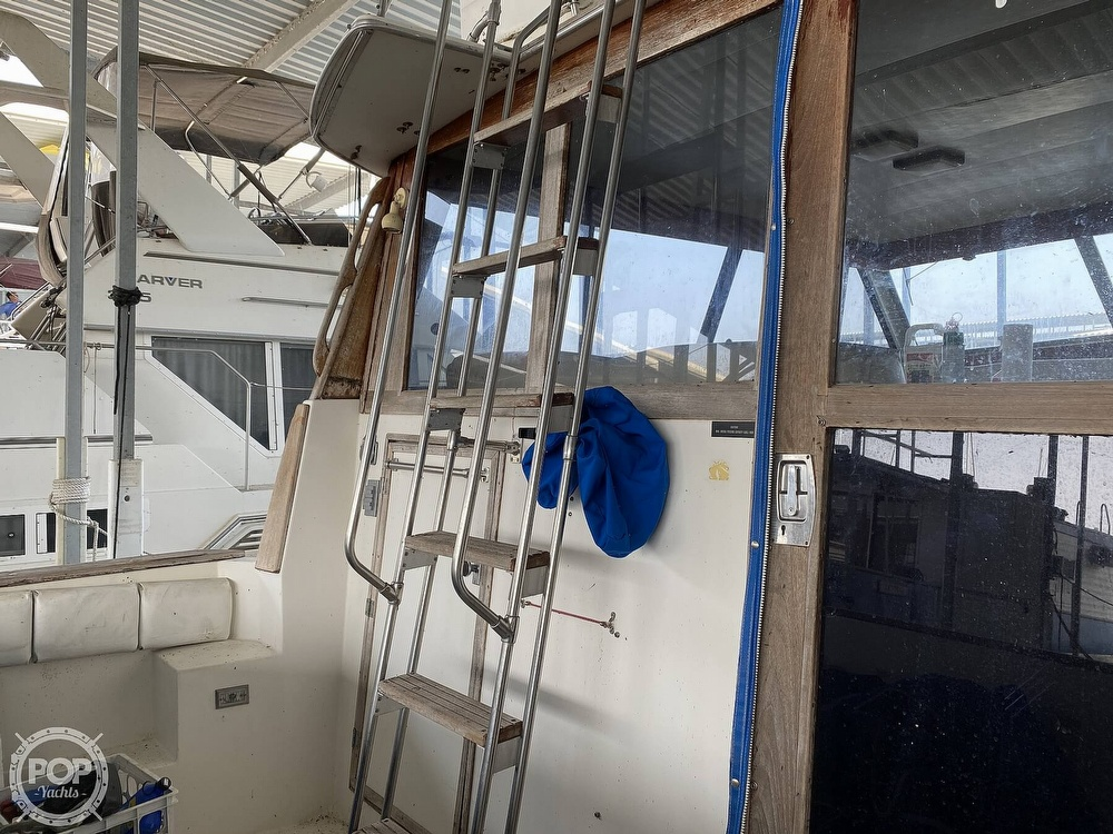 1989 Bayliner boat for sale, model of the boat is 3888 Motoryacht & Image # 25 of 40