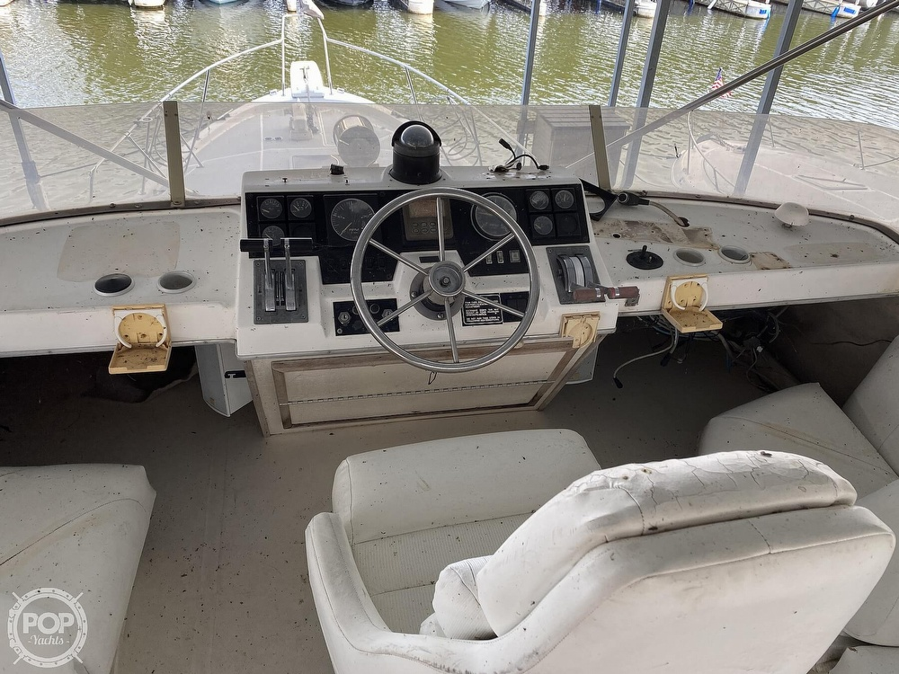 1989 Bayliner boat for sale, model of the boat is 3888 Motoryacht & Image # 27 of 40